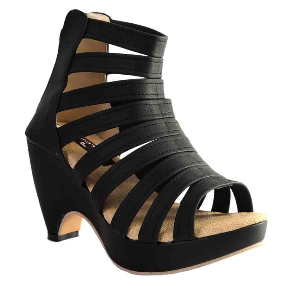 42de2266d75c Ladies Sandal - Thakur Footwear Company Photos