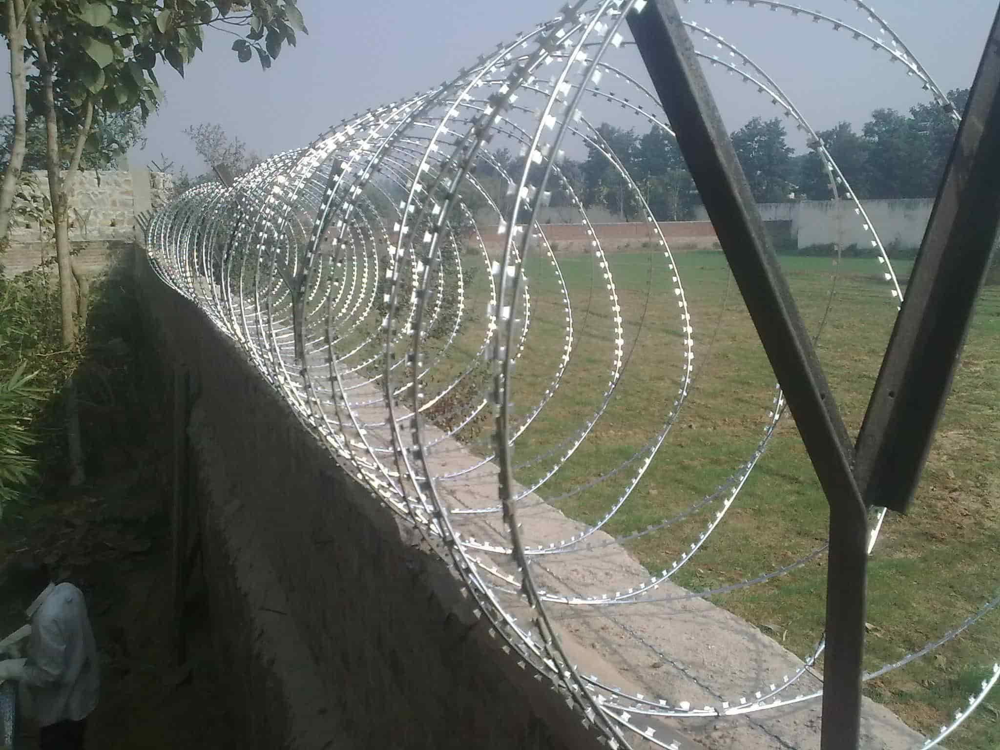 Unique Razor Wire Injury Crest - Wiring Standart Installations ...