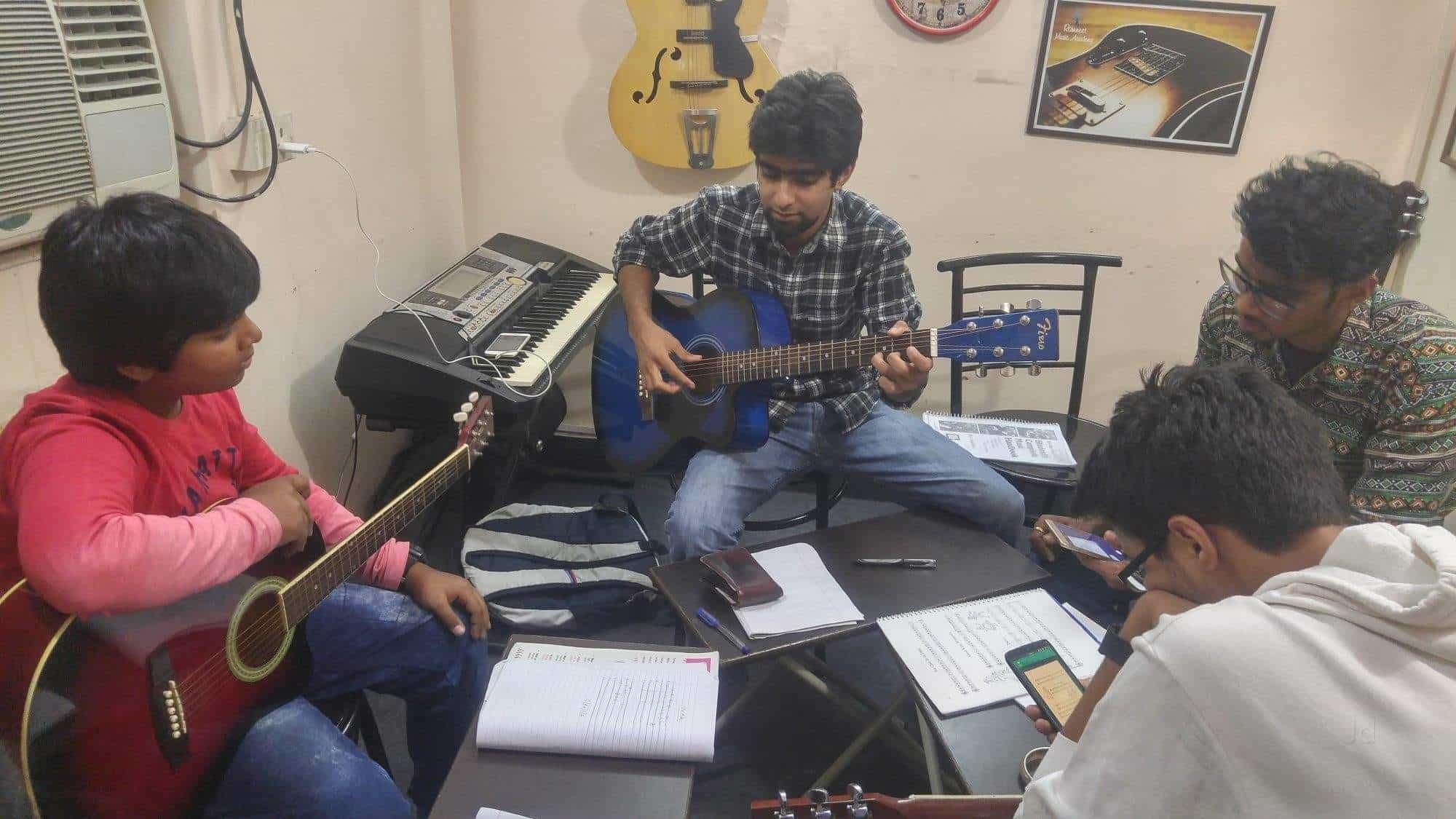 Top Music Classes For Bhajan in Karol Bagh - Best Music