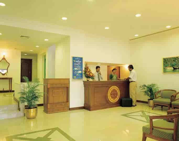 Abad Metro In Ernakulam College Rates Hotel Room Booking