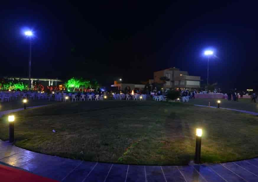 Exterior Lawn Sandy Palm Resort Hotels Pvt Ltd Photos Chiloda Gandhi Nagar