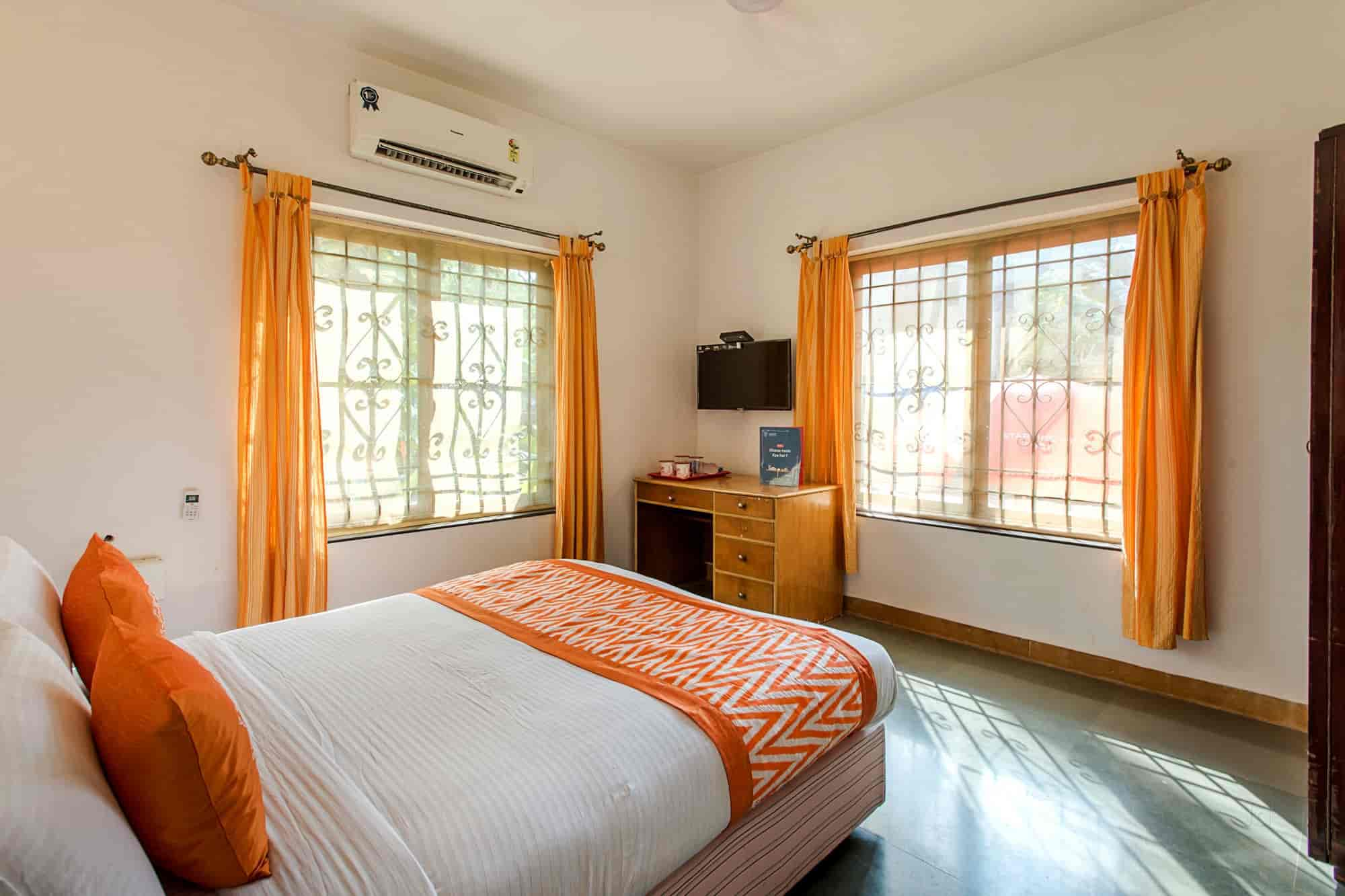 Oyo Rooms 129 Calangute Hotels In Goa Justdial