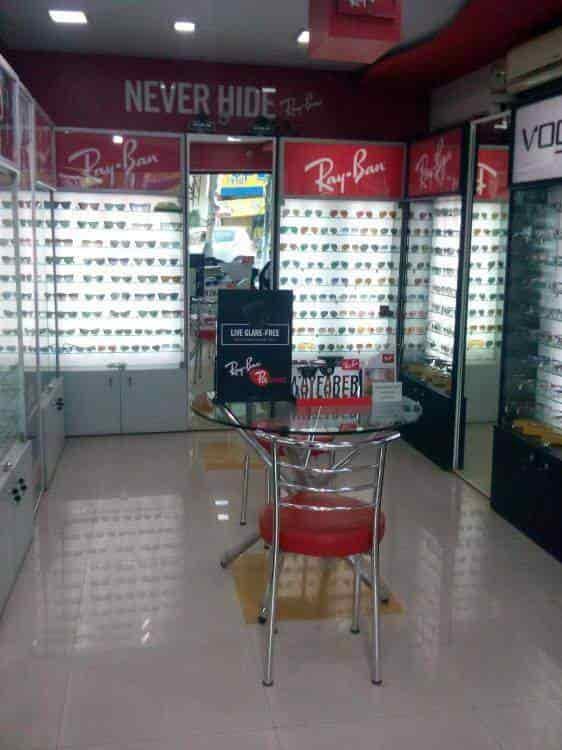 87e2d4c00b0 Interior View - Ray Ban Exclusive Optical Store Photos