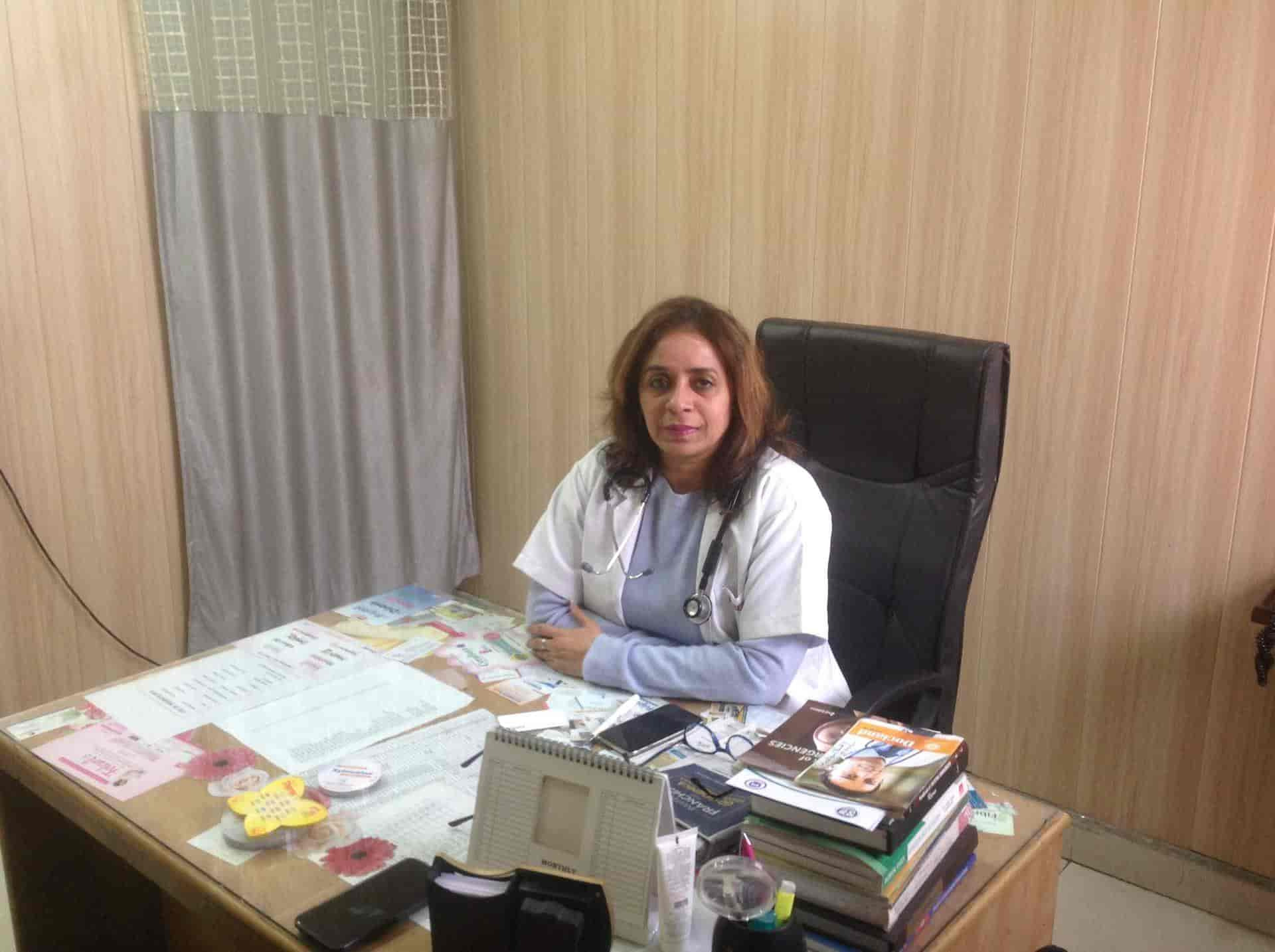 Dr  Seema Goyal - Gynaecologist & Obstetrician Doctors - Book