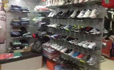 adidas showroom near dadar