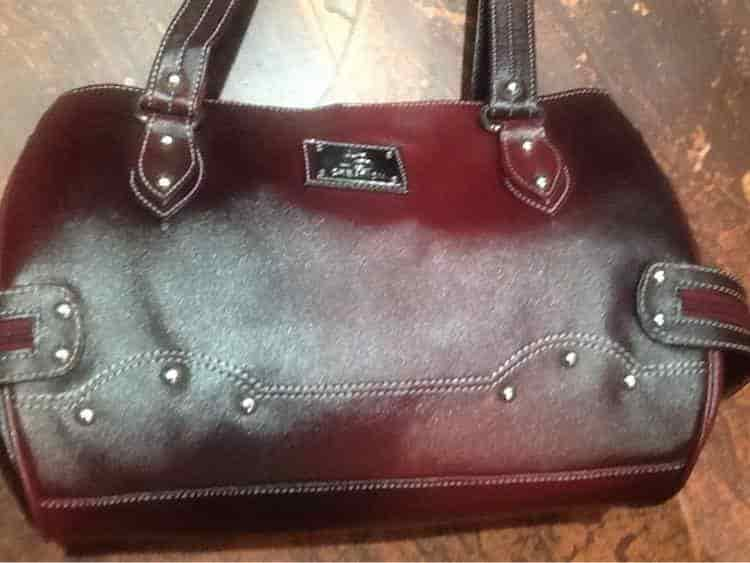 3cbd6d0ffaa2 Ladies Purse - Selling Bags Photos