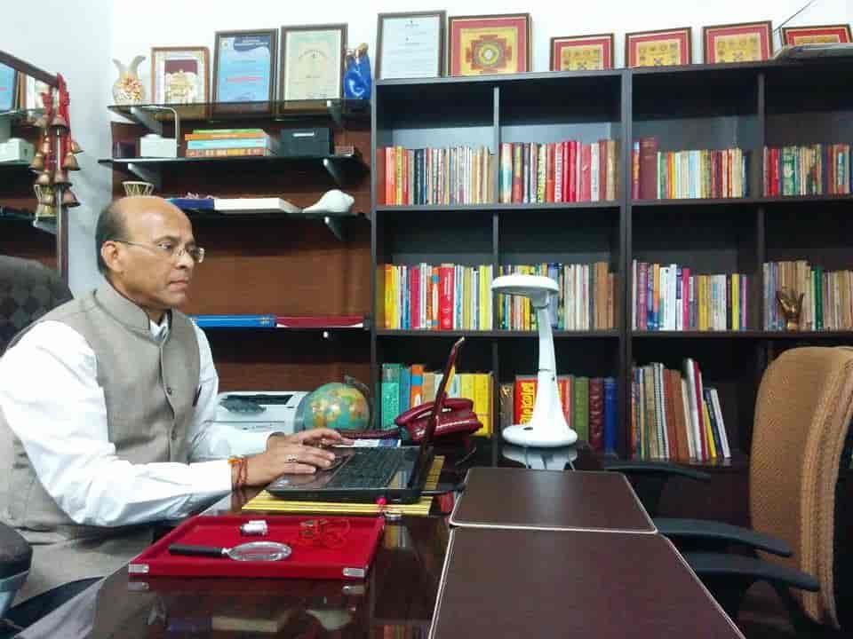 asha astrologer review