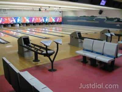 Ercildoune Bowling Lanes, near bay st,ruffner ln, FL